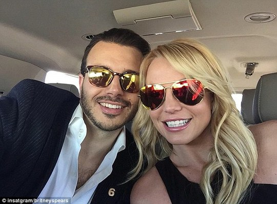 Britney Spears ngập tràn hạnh phúc và định cưới tiếp