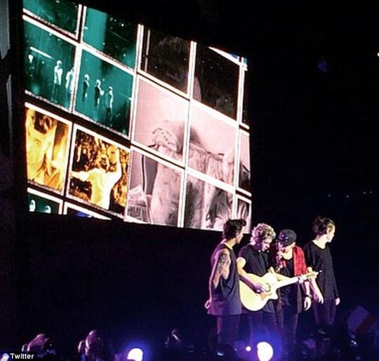 One Direction đang lưu diễn châu Á với đội hình chỉ còn 4 thành viên
