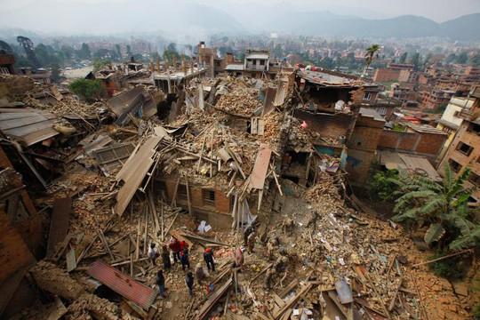 Kathmandu thành đống đổ nát. Ảnh: AP