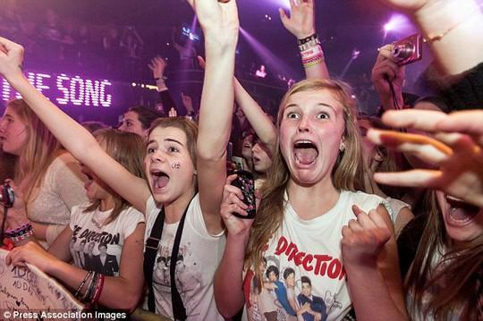 Các fan cuồng của các thành viên One Direction. Ảnh: PA
