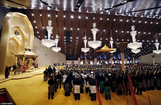 Lễ cưới diễn ra tại cung điện sang trọng bậc nhất Brunei. Ảnh: Reuters