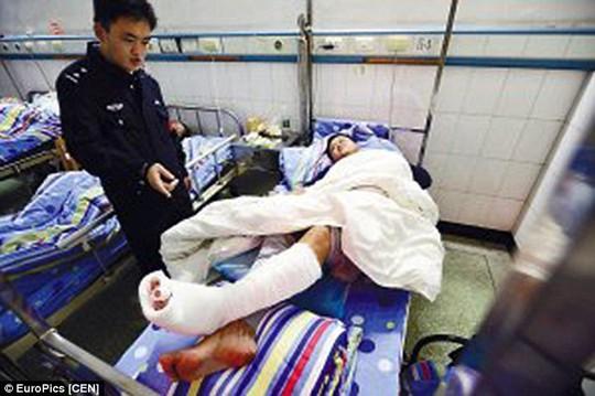Và nạn nhân nhập viện
