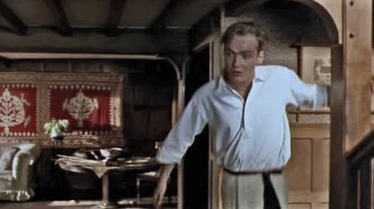Joseph Bennett, 44 tuổi, từng xuất hiện trong phim Howards End