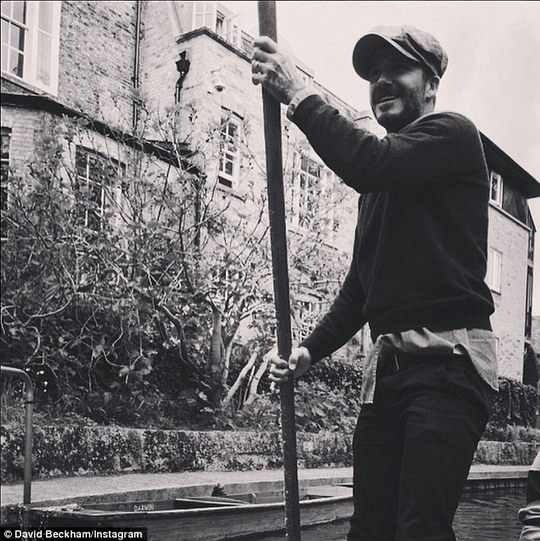 David Beckham chèo thuyền
