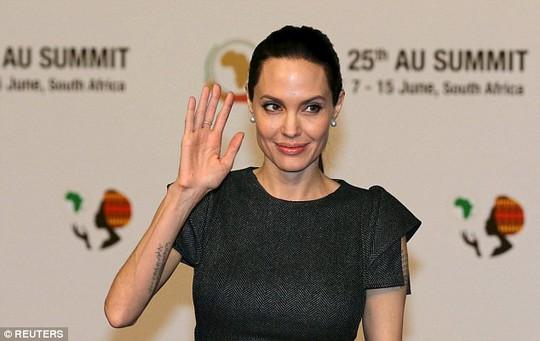 Angelina Jolie phát biểu đanh thép bảo vệ quyền của phụ nữ
