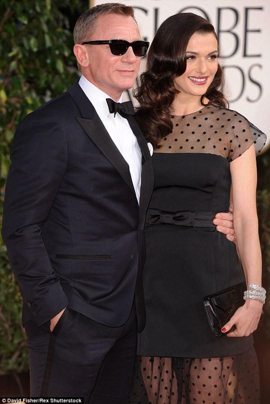 Rachel Weisz và chồng trên thảm đỏ