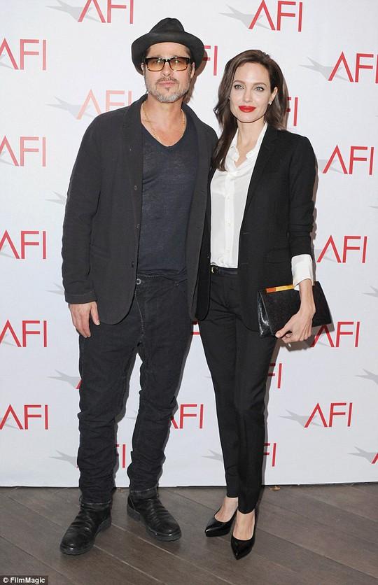 Vợ chồng Brad Pitt - Angelina Jolie