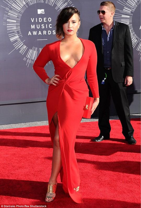 Demi thành công ở lĩnh vực ca hát và đóng phim