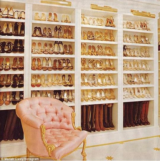 Mariah Carey khoe tủ giày