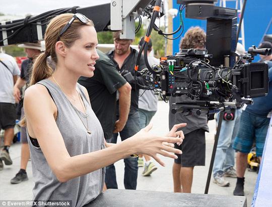 Gần đây, Angelina tiến hành đạo diễn nhiều phim