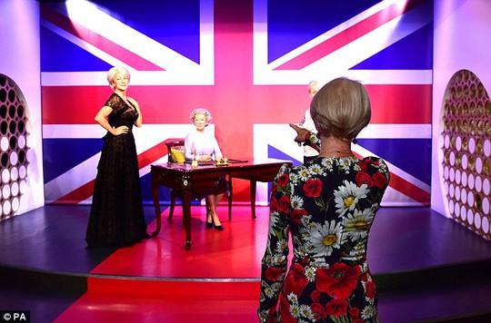 Helen Mirren và các tượng sáp
