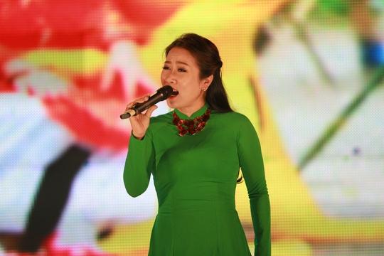 Nghệ sĩ Ưu tú Vân Khánh