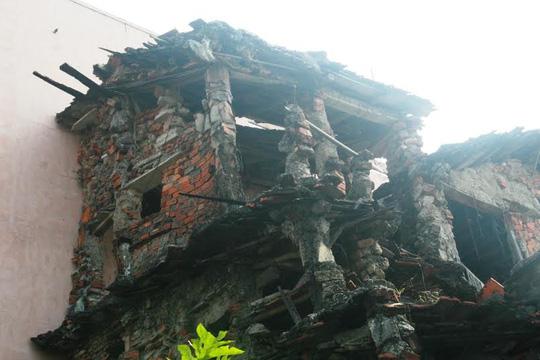 """""""Ớn lạnh"""" với căn nhà tự xây của dị nhân Quảng Nam"""