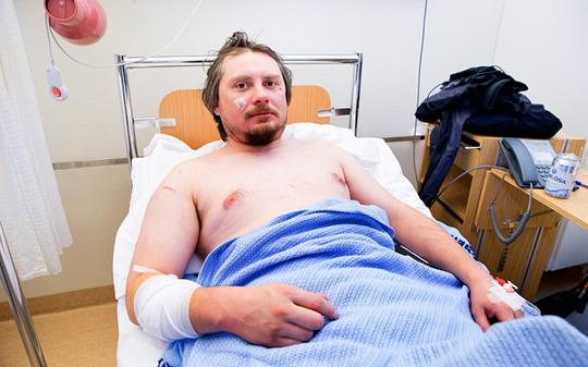 Anh Jakub Moravec tại bệnh viện. Ảnh: EPA