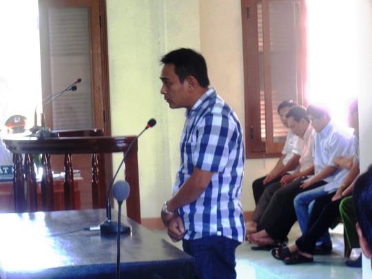 Nhân chứng Võ Công Phi thừa nhận chính mình đã thay còng cho Kiều để đưa về Công an TP Tuy Hòa
