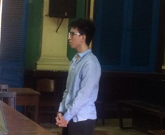 Bị cáo Lê Văn Dũng nghe tuyên án
