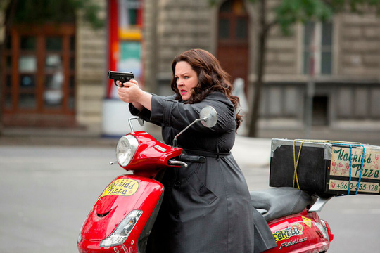 Melissa vào vai điệp viên có thân hình quá khổ