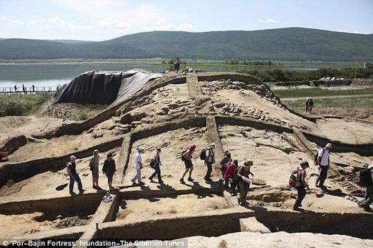 Vật liệu xây dựng, kiến trúc gợi nhớ đến các công trình của người Trung Quốc. Ảnh: The Siberian Times