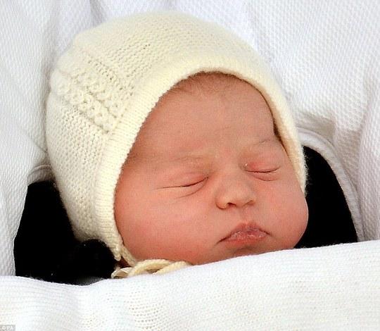 Có người nghi ngờ tiểu công chúa Anh không phải con của công nương Kate. Ảnh: PA