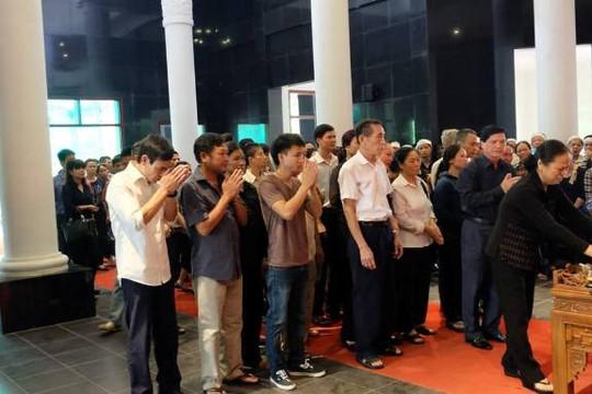 Thảm thương đám tang 5 nạn nhân vụ cháy kinh hoàng