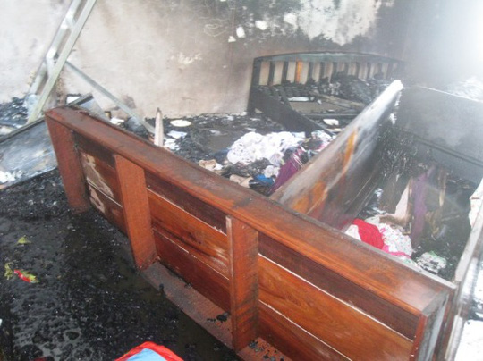Đồ đạc trong nhà cho thuê bị cháy rụi