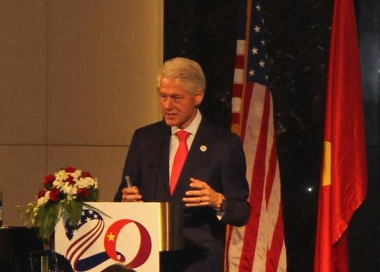 Cựu Tổng thống Bill Clinton: Mỹ và Việt Nam hãy đến với nhau bằng vòng tay rộng mở
