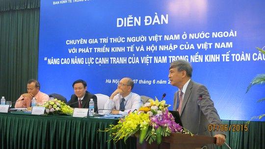 Nhiều trí thức Việt kiều hiến kế nâng cao năng lực cạnh tranh của Việt Nam Ảnh: LAM PHƯƠNG