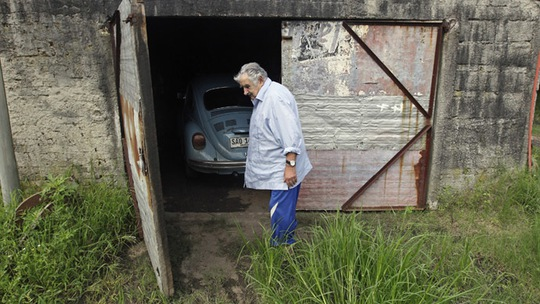 Tổng thống nghèo nhất thế giới sống trong một nông trại thuộc vùng ngoại ô Montevideo. Ảnh: Reuters