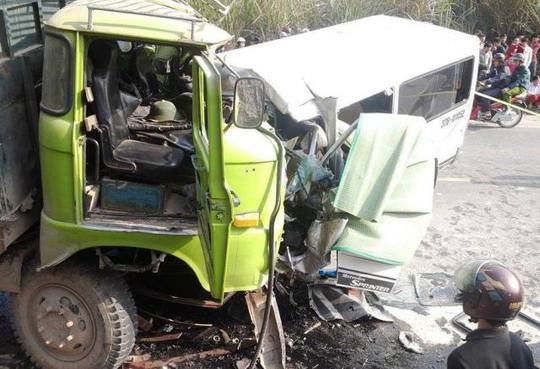 Đã có 9 người chết trong vụ tai nạn thảm khốc ở Thanh Hóa
