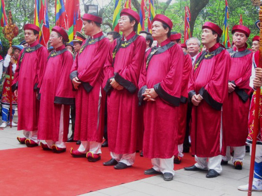 Chủ tịch nước Trương Tấn Sang dâng hương tưởng nhớ Hùng Vương