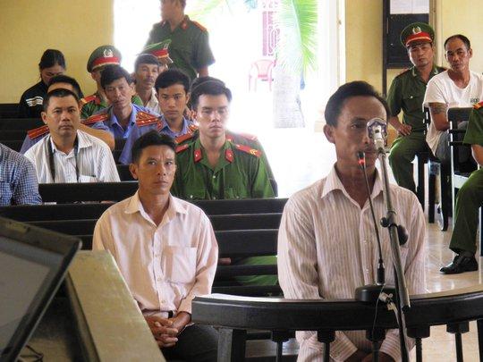 Hai bị cáo Mai Thành Tâm, Nguyễn Văn Ly tại tòa