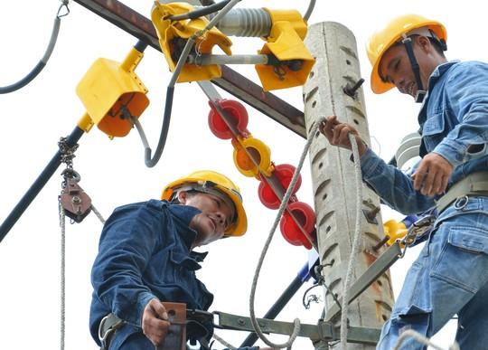 Ngành điện tiếp tục đòi tăng giá trong khi giá nhiều mặt hàng thiết yếu đang bình ổnẢnh: TẤN THẠNH
