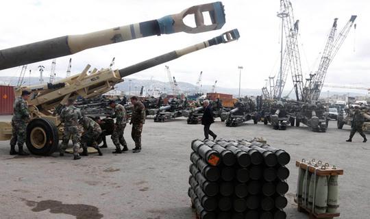 Nga sẽ ủng hộ quân sự cho phe ly khai Ukraine nếu Mỹ hỗ trợ vũ khí cho Kiev. Ảnh: Moscow Times