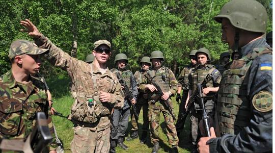 Binh sĩ từ 18 quốc gia tham gia diễn tập tại Ukraine. Ảnh: RIA Novosti