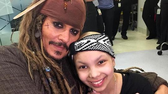 Johnny Depp và bệnh nhi khác