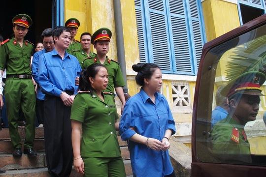 Các bị cáo sau phiên xử phúc thẩm sáng 7-5