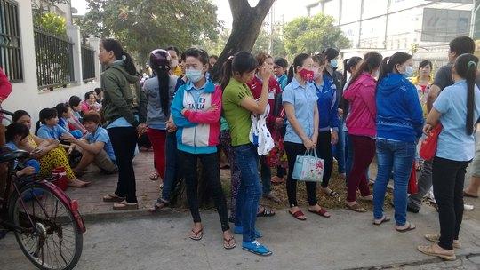 Công nhân một doanh nghiệp ở KCN Tân Tạo (TP HCM) ngừng việc phản đối bị ép tăng ca quá mức