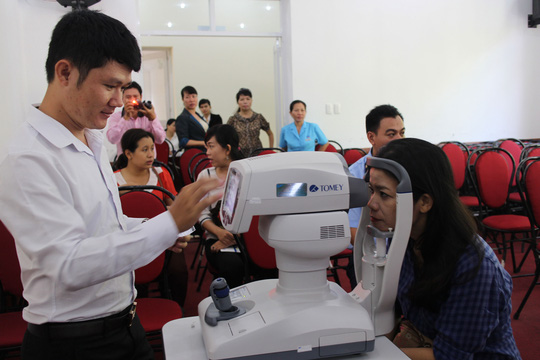 CNVC-LĐ quận 1, TP HCM được khám mắt  miễn phí