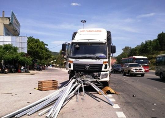Hiện trường chiếc xe tải tông nhau liên hoàn khiến 1 người chết