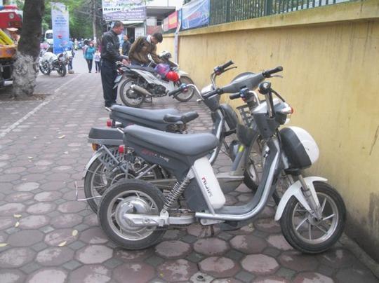 Ngày ra quân đầu tiên của Đội CSGT số 2 có 4 xe đạp điện bị tạm giữ