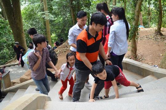 Đã có 4 triệu người dân đội nắng về Giỗ tổ Hùng Vương