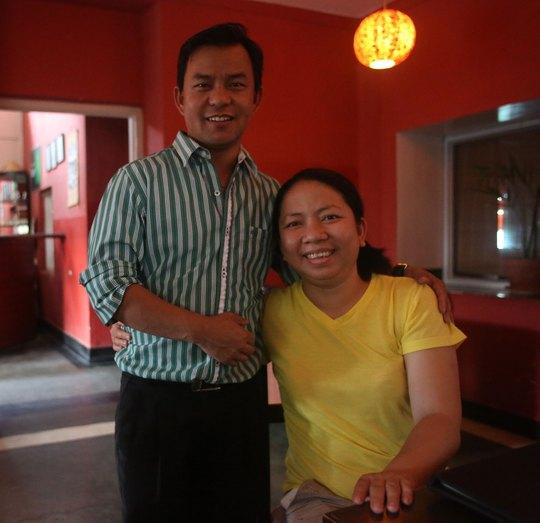 Chị Võ Thị Bảo và chồng, anh Naven Saru, đã dày công xây dựng không gian  ẩm thực Việt Nam ở Nepal