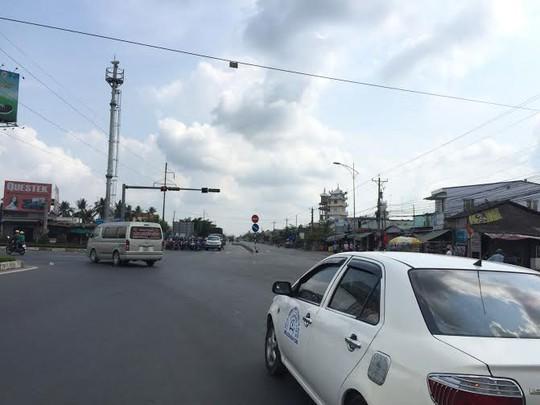 Đa số ô tô đều chọn đường cao tốc TP HCM - Trung Lương để đi về miền Tây hay lên TP HCM Ảnh: MINH SƠN