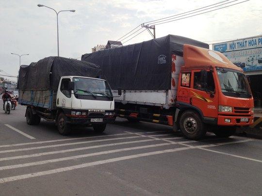 Người dân sống trên Quốc lộ 1K (quận Thủ Đức, TP HCM) ngày đêm mất ngủ vì gờ giảm tốc