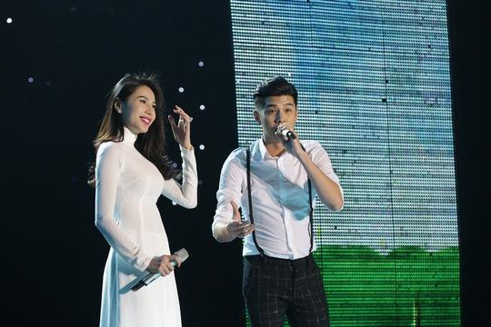 Thủy Tiên và Noo Phước Thịnh là hai trong số khách mời tại liveshow này