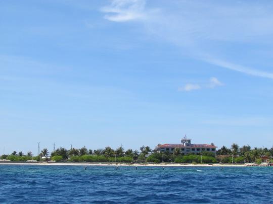 Góc đảo Nam Yết với màu xanh giữa biển