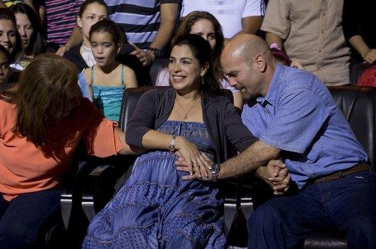 Ông Gerardo Hernandez đoàn tụ với vợ ngày 20-12-2014 Ảnh: AP