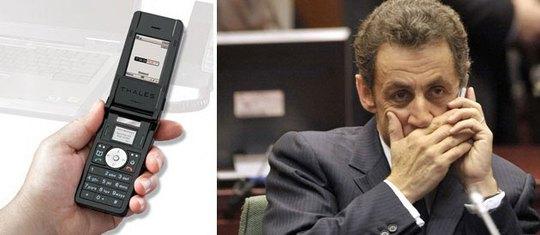 Ông Nicolas Sarkozy thử máy Teorem từ thời làm tổng thống Ảnh: LE POINT