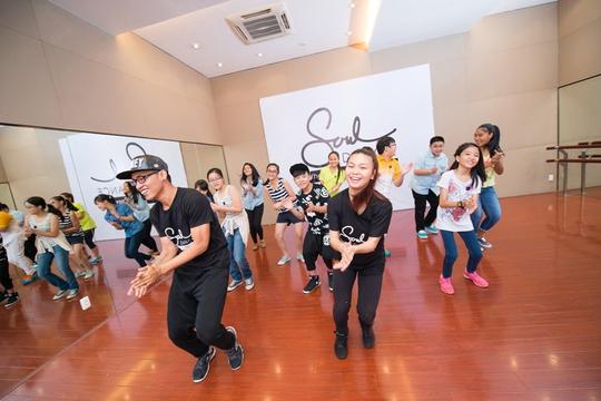 Học nhảy thu hút nhiều giới trẻ. Trong ảnh: Một lớp học ở Trường Soul Dance Academy