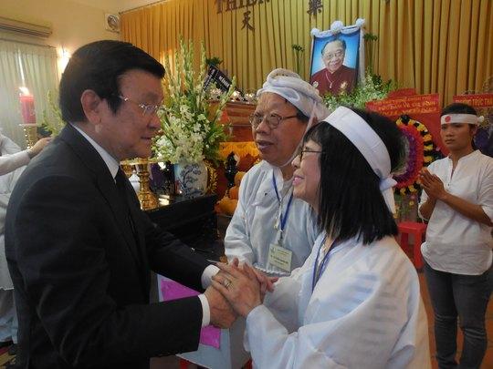 Chủ tịch nước Trương Tấn Sang chia buồn cùng GS-TS Trần Quang Hải và danh ca Bạch Yến